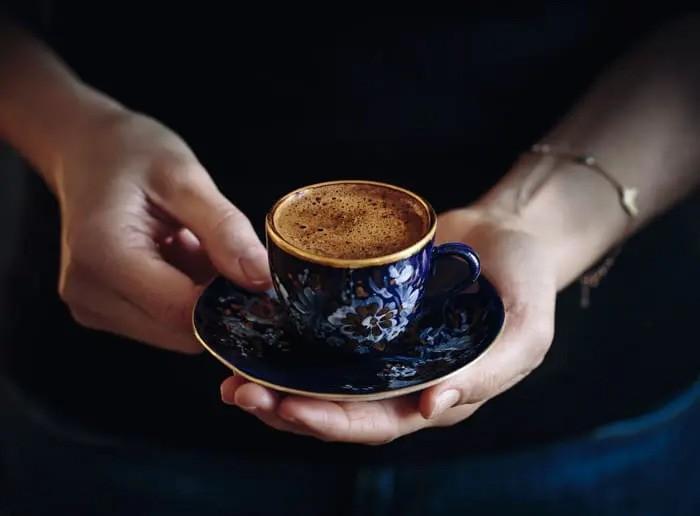 طرز تهیه قهوه ترک: به روش حرفه ای و کافی شاپی