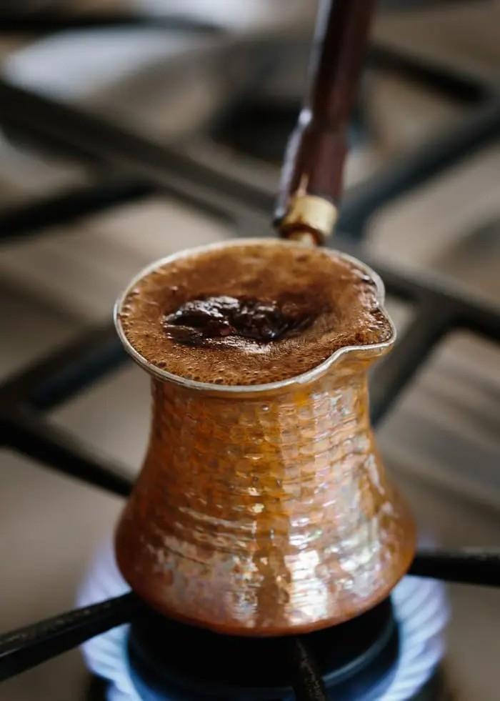آموزش استفاده از ایبریک یا جذوه برای تهیه قهوه ترک