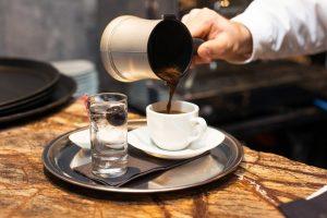 طرز تهیه قهوه یونانی با ایبریک